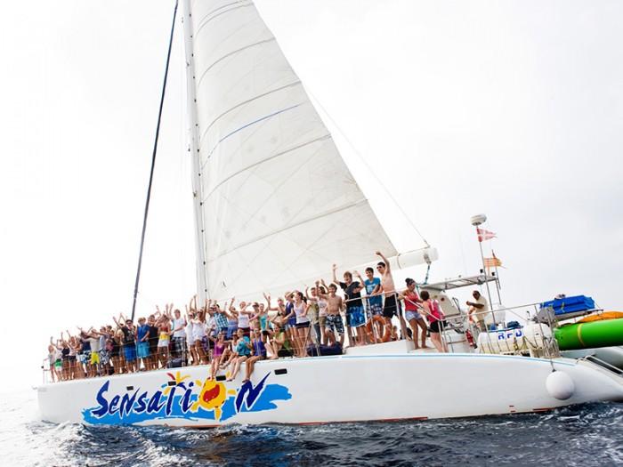 Catamaran-Cruise-Lloret-de-Mar